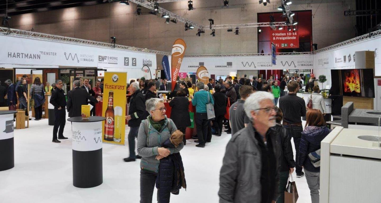 com:bau: Walgauer Wirtschaft beeindruckte mit Halle ganz in Weiß