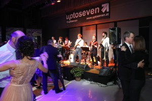 Die Vorarlberger Coverband uptoseven sorgte für Tanzstimmung
